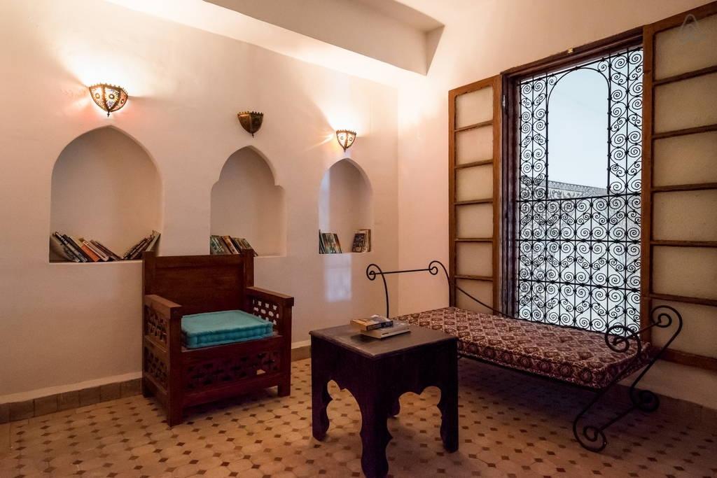 bibliothèque riad Jamaï Fès Maroc